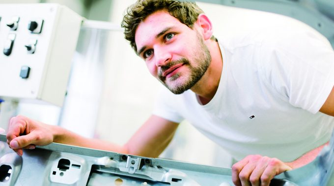 MUAS Dual Study Programme In Mechanical Engineering: Study + Work = Graduate Success